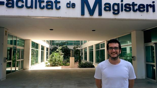 Imatge de Juan Carlos Bel Martínez, investigador predoctoral de la Facultat de Magisteri de la Universitat de València