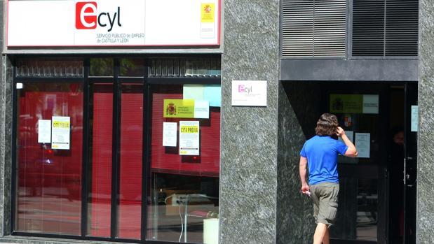 El paro aumentó en 682 personas en agosto en Castilla y León, el 0,44 por ciento más que en julio