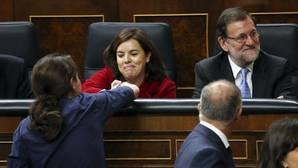 Imagen de archivo de Pablo Iglesias y Soraya Sáenz de Santamaría