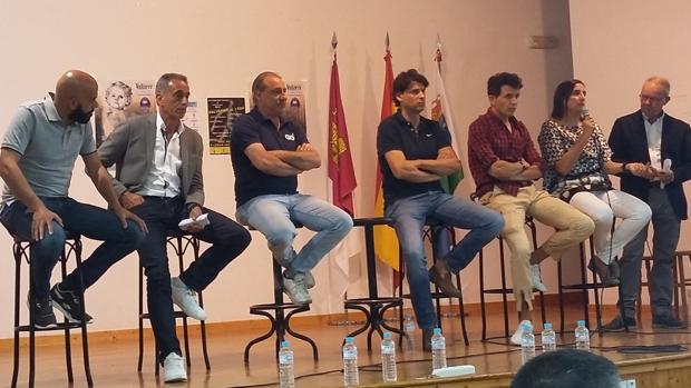 Estévez, Abascal, Cacho, Parra, Higuero, Zuñiga y de la Casa, este sábado en Los Cerralbos