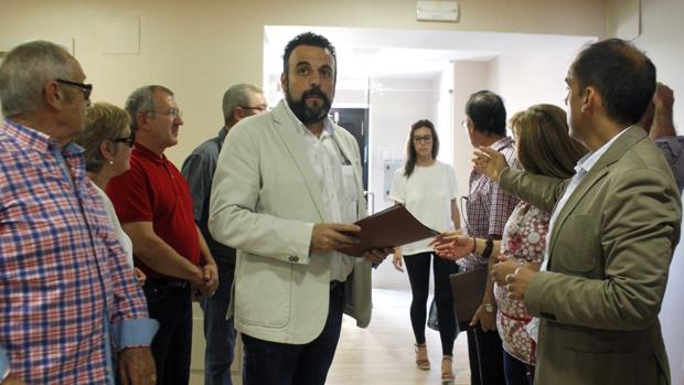 El candidato a la Secretaría regional del PSOE, José Luis Blanco