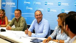 El secreterio gengeral del PPdeG, Miguel Tellado, en el comité de ciudades