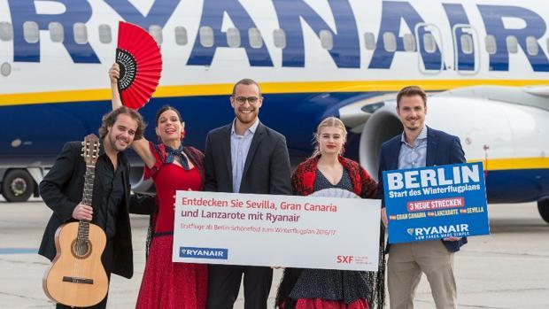 Promoción de vuelos a Sevilla y Canarias hecha por el Aeropuerto de Berlín el pasado año