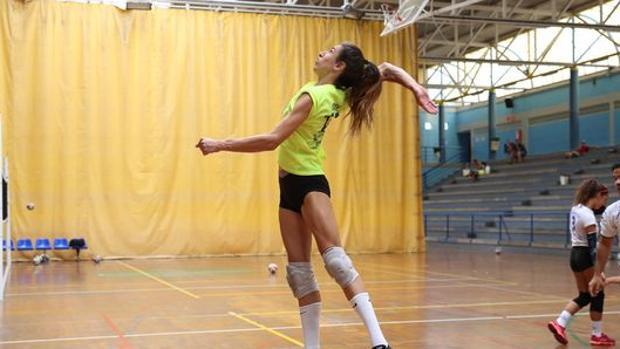 Impiden a una deportista transgénero jugar en la competición oficial