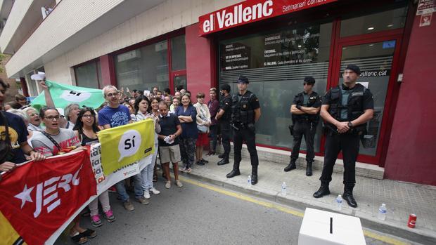 Registro de la Guardia Civil en un antiguo local del semanario El Vallenc