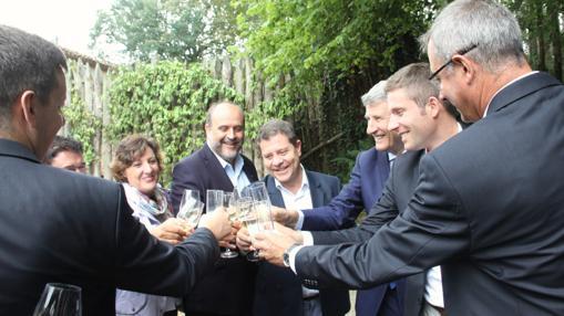Page y De Villiers brindan en Francia por el éxito del proyecto toledano