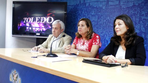 Juan José Pérez del Pino, Rosa Ana Rodríguez y Cuca Díaz de la Cueva, en rueda de prensa