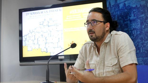 El concejal de Juventud, Diego Mejías, en rueda de prensa