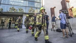Imagen de los Bomberos tras el incendio en la Ciudad de la Justicia