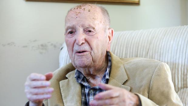 El expresidente Gerardo Fernández Albor, durante una entrevista con ABC el pasado abril