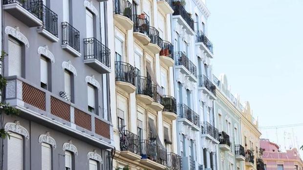 Imagen de fachadas de edificios en el barrio de Ruzafa