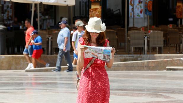 Imagen de una turista tomada en el centro de Valencia
