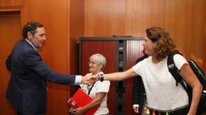 Personal, material sanitario y farmacia. Son los tres capítulos con los que el Gobierno de Cantabria justifica su petición a Castilla y León de 2,1 millones de euros por la atención de ciudadanos de la Comunidad