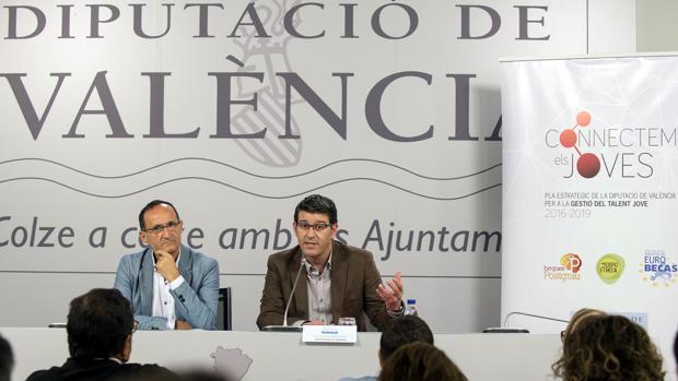 Imagen del presidente de la Diputación de Valencia y el diputado del área de Proyectos Europeos