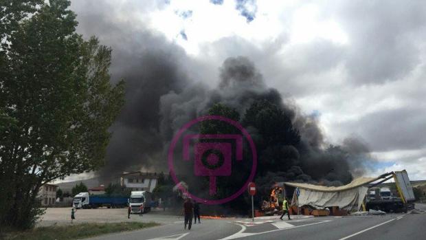 Un hombre ha perdido la vida en el choque entre dos camiones en la N-I en Burgos