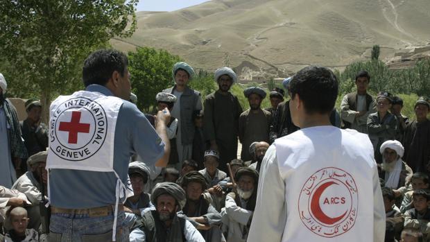 Cooperantes de la Cruz Roja en Afganistán