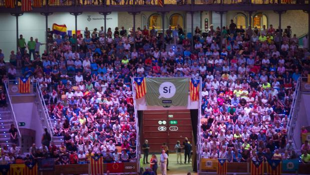 Los partidos y entidades independentistas llenaron anoche el Tarraco Arena