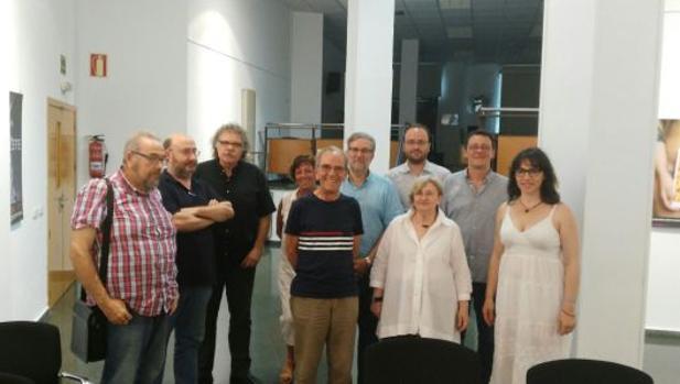 Reunión de la Comissó Cívica con Tardà y el resto de dirigentes de ERC en Alicante