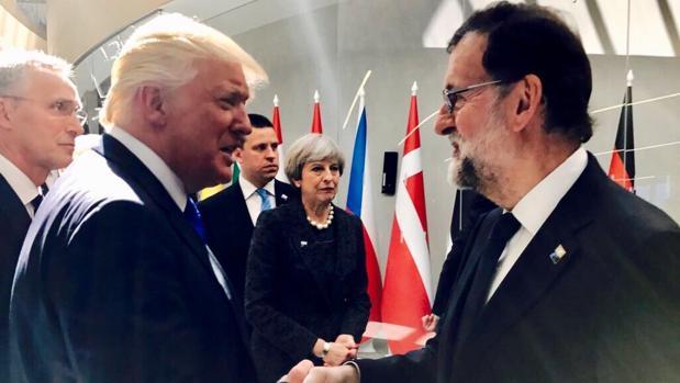 Donald Trump y Mariano Rajoy en la reunión de los países miembros de la OTAN el pasado mes de mayo
