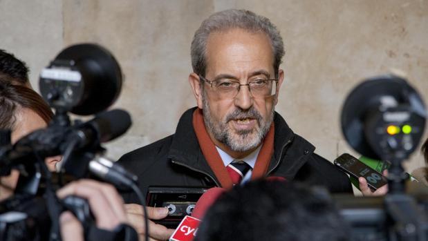 El rector de la Universidad de Salamanca, Hernández Ruipérez, en una imagen de archivo