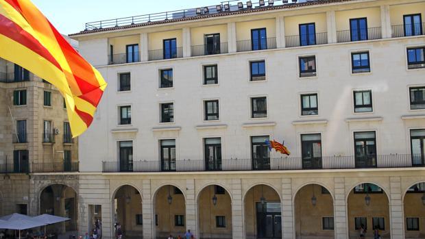 Imagen de la Audiencia de Alicante, donde han sido juzgados los hechos