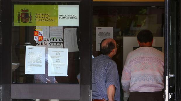 El fin de la campa a de verano destruye empleos en for Oficina de empleo cadiz