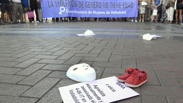 Manifestación tras la muerte de la niña Sara en Valladolid, víctima de malos tratos