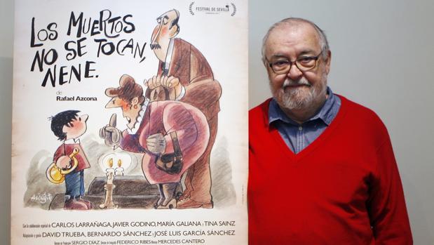 José Luis García Sánchez, en una imagen de archivo, junto a su película «Los muertos no se tocan, nene»