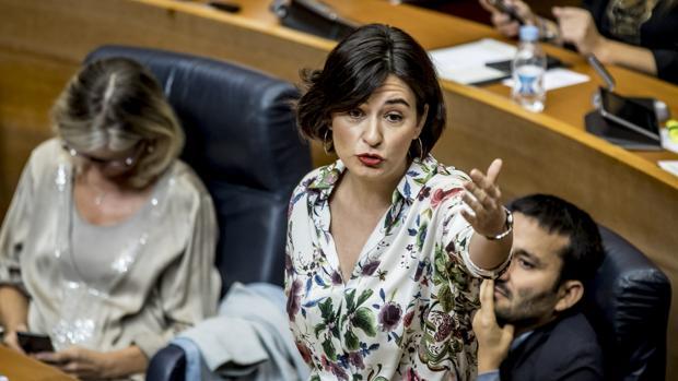 Imagen de archivo de la consellera de Sanidad, Carmen Montón, tomada en las Cortes Valencianas