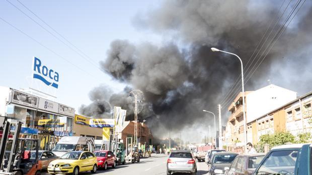 Incendio en una nave industrial del polígono El Cerro de Segovia