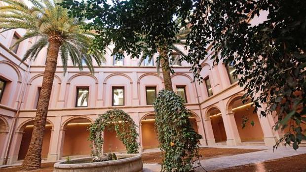 Imagen del pation interior del museo de Bellas Artes de Valencia