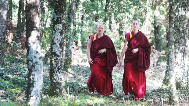 Tenzing Palmo y Tenzing Ngeyung, las dos monjas budistas gallegas, en Ventoselo