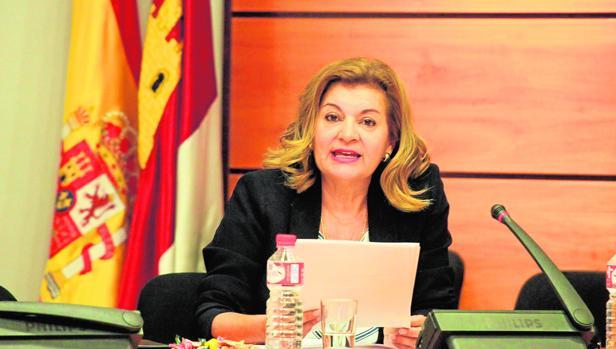 Carmen Amores en su intervención en las Cortes regionales