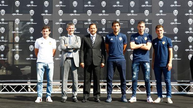 Imagen de los jugadores este martes en Paterna