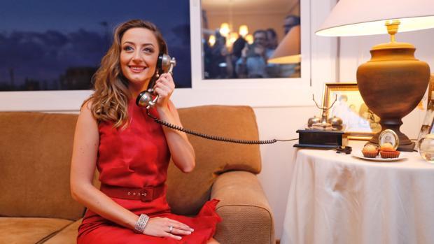 Rocío Gil, tras recibir la llamada de Joan Ribó que les comunica que son Falleras Mayores 2018