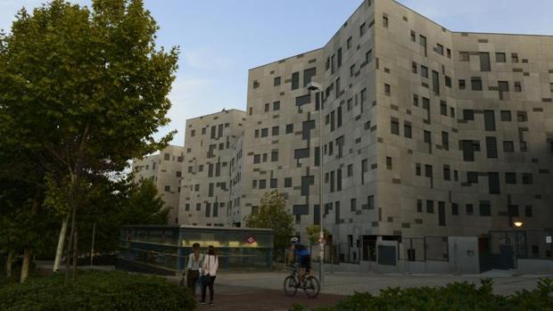 Bloque de pisos en la Avenida de los Poblados