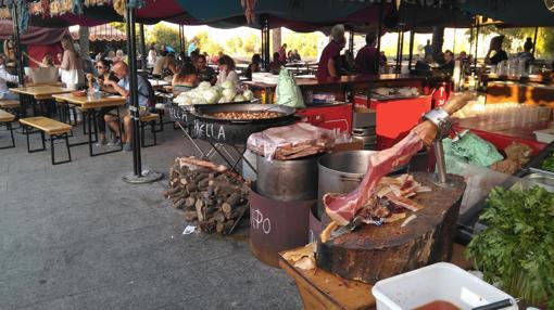 Imagen del mercado en las Torres de Serranos