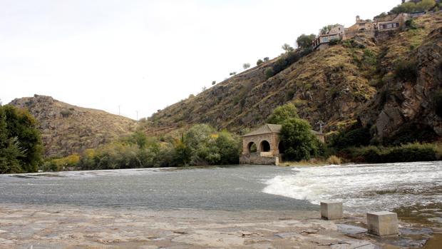 El río Tajo a su paso por la ciudad de Toledo