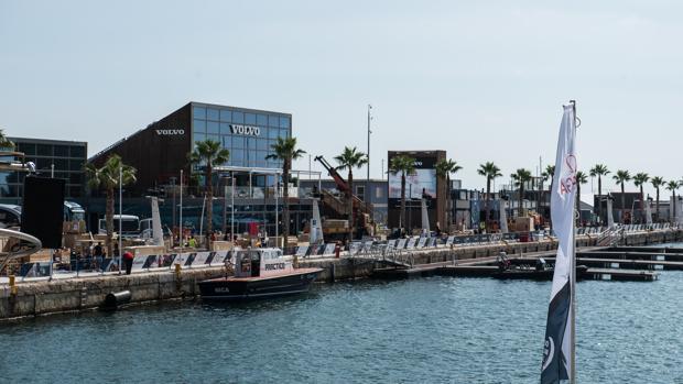 Instalaciones del Race Village de la Volvo Ocean Race, en la zona portuaria de Alicante