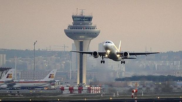Los aeropuertos de Madrid y Barcelona están creciendo muy por debajo del de Zaragoza en transporte de mercancías