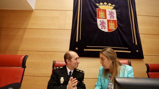 Juan José Fernández Vaquero de las Unidades de Familia y Mujer comparece en la Comisión no permanente sobre violencia de género