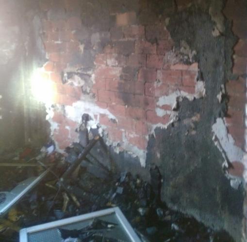Interior de una vivienda calcinado por las llamas
