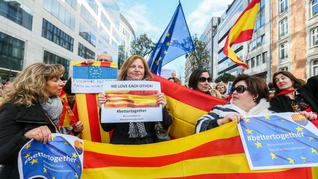 En los tres Barómetros analizados la primera opción siempre ha sido la de quienes se sienten tan españoles como de su región: del 49,1% de junio al 53,7% de octubre