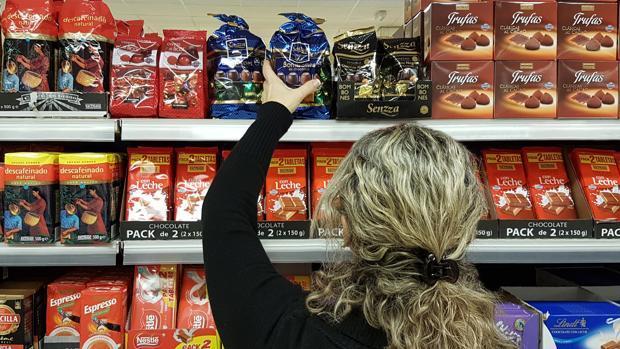 Imagen de los bombones «Senzza» en uno de los lineales de Mercadona