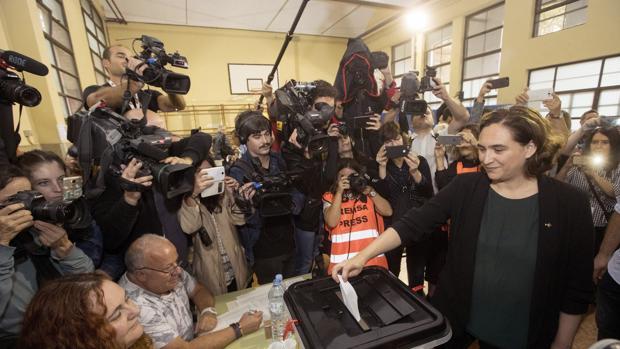 Colau, durante el referéndum del pasado 1 de octubre