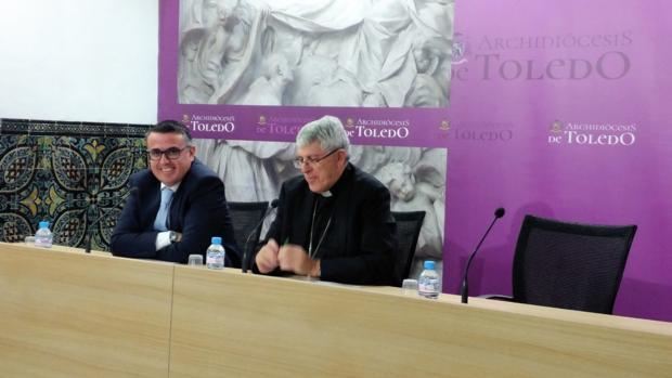El ecónomo, Anastasio Gómez, y el arzobispo, Braulio Rodríguez