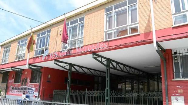 Acceso al instituto Pedro Mercedes de Cuenca