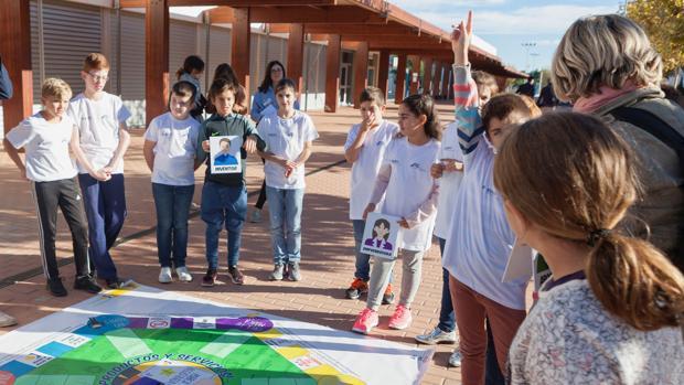 Alumnos de varios países europeos en la actividad organizada en la EUIPO, en Alicante