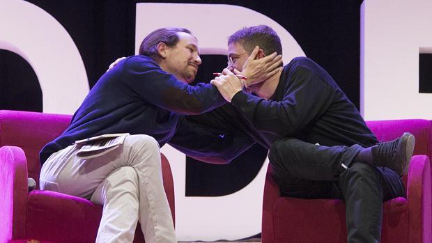Alberto-Dante Fachín y Pablo Iglesias, el pasado febrero, antes de la ruptura