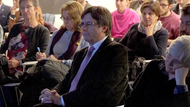 Puigdemont, ayer por la tarde, en la presentación de un libro sobre Cataluña, en Bruselas